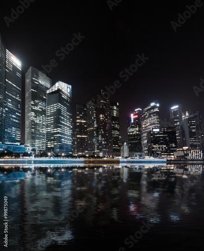 Foto  Singapore skyline night panorama