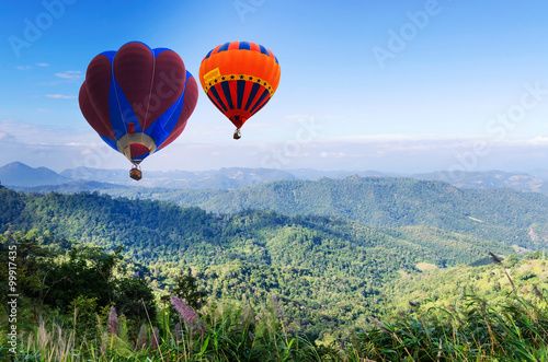 Poster Montgolfière / Dirigeable Doi Inthanon National park in the sunrise and main road at Chiang Mai Province, Thailand