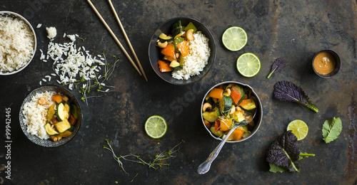 Deurstickers Kruidenierswinkel Thai Gemüse mit Reis