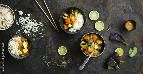 Keuken foto achterwand Kruidenierswinkel Thai Gemüse mit Reis