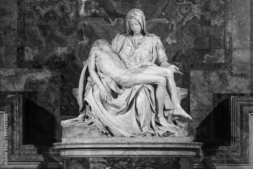 Fotografiet  Pieta - Michalangelo - st. Peters cathedral. Black & white