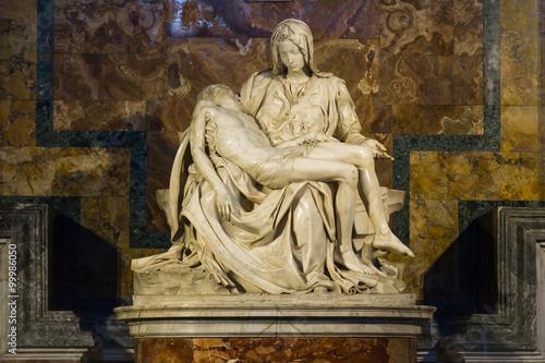 Fényképezés  Pieta - Michalangelo - st. Peters cathedral