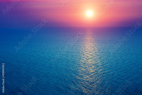 Spoed Foto op Canvas Natuur Sunrise over sea