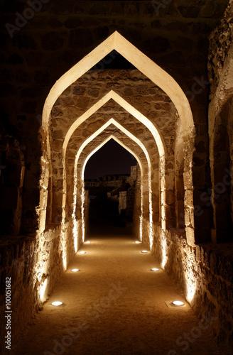 Papiers peints Fortification Illuminated passage inside Bahrain fort
