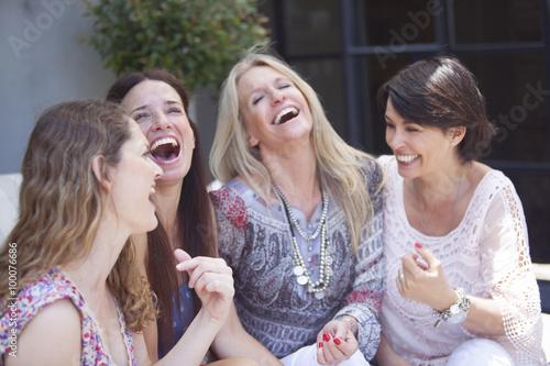 Fotografía  Happy group of adult women having fun