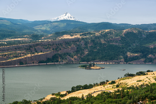 Fototapeta Columbia River Gorge and Mt Hood obraz