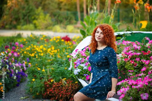 Fototapety, obrazy: Girl in the park.