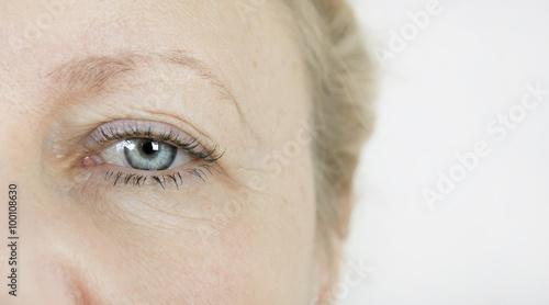 Obraz Auge ältere Frau - fototapety do salonu