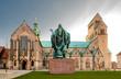 canvas print picture - Dom Kirche,  St. Mariä Himmelfahrt, in Hildesheim,