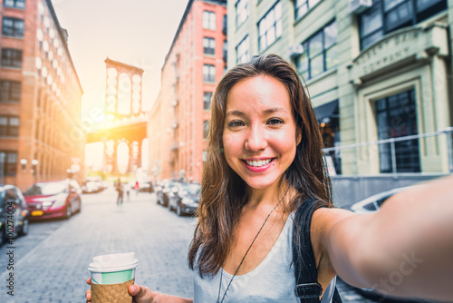 Fotomural Woman taking selfie