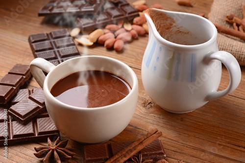 Foto op Canvas Chocolade squisita cioccolata calda nella tazza