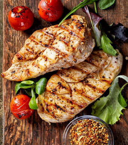 plakat Grilled chicken fillets