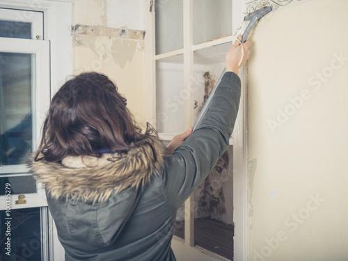Woman In Coast Stripping Wallpaper