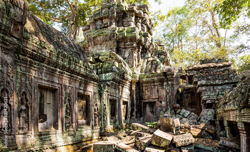 Foto auf Leinwand Ruinen Ruins of Ta Prohm temple at Angkor Archaelogical Park of Siem Reap in Cambodia.