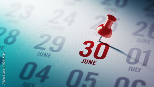 Fotografia  June 30 written on a calendar to remind you an important appoint
