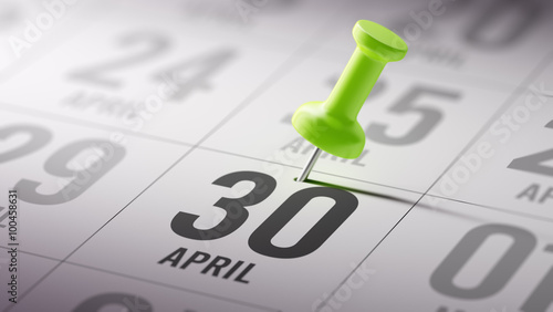 Fotografia  April 30 written on a calendar to remind you an important appoin