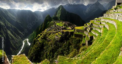 Photo Stands Ruins Machu Picchu