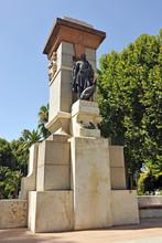 Monumento Al Pintor Julio Romero De Torres, Córdoba, Andalucía, España