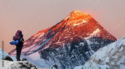 Mount Everest from Gokyo valley with tourist Wallpaper Mural