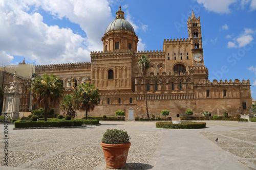 Deurstickers Palermo Am Piazza sette Angeli: Die Kathedrale von Palermo