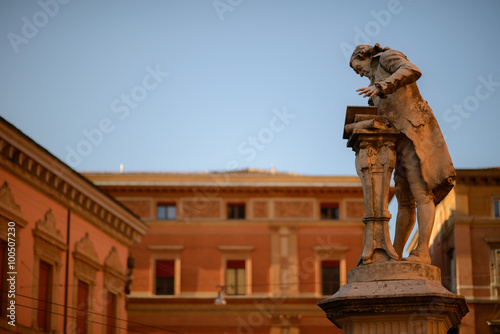 Photographie  statue of physicist Luigi Galvani in Bologna discoverer of electricity biologica
