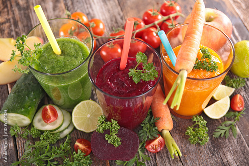 Photo sur Toile Jus, Sirop detox vegetable juice
