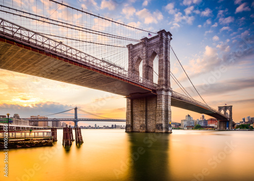 Spoed Foto op Canvas Brug Brooklyn Bridge in the Morning in New York City, USA.