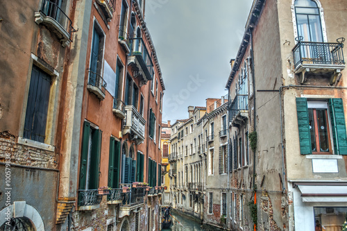 Photo sur Toile Europe Centrale antique buildings in Venice