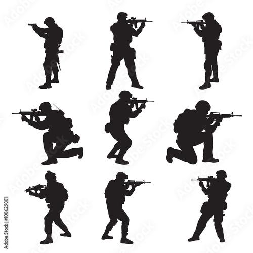 Fotografia  Soldier Silhouettes