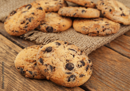 Papiers peints Biscuit cookies with chocolate