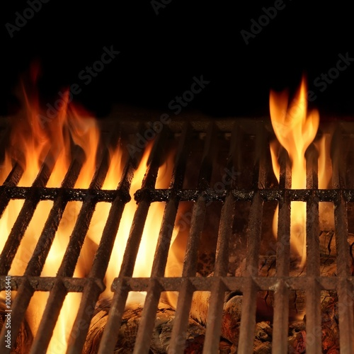 In de dag Grill / Barbecue Empty Hot Charcoal Barbecue Grill With Bright Flame Isolated