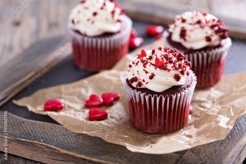 фотография  Red velvet cupcakes for Valentines day