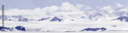 Ingelijste posters Antarctica Panorama of fast ice in Gustaf Sound, Wheddle Sea, Antarctica