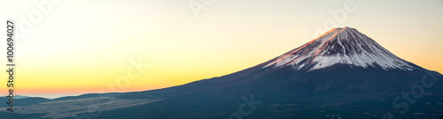 Fotobehang Zwavel geel Mountain Fuji sunrise Japan panorama