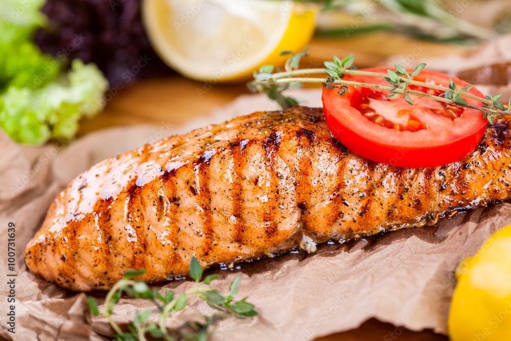 Fototapety, obrazy: Grilled salmon