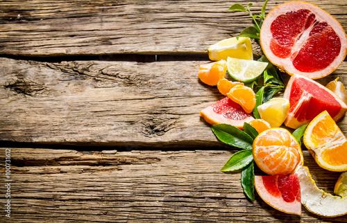 pokrojony-cytrus-grejpfrut-pomarancza-mandarynka