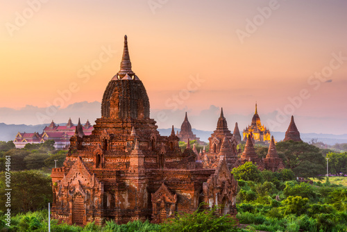 Obrazy na płótnie Canvas Bagan, Myanmar Ancient Buddhist Temples