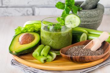 Fototapeta samoprzylepna Healthy green juice smoothie