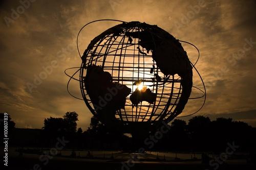 Photo  Globe Silhouette