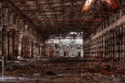Papiers peints Les vieux bâtiments abandonnés Dilapidated workshop of the abandoned factory