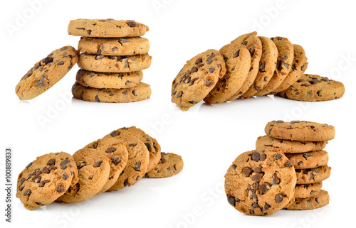 Tuinposter Koekjes Chocolate chip cookie on white background