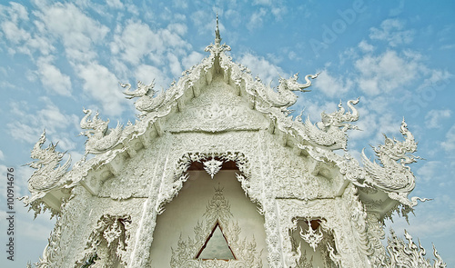 Spoed Foto op Canvas Bedehuis the white temple in Chiangrai , Thailand