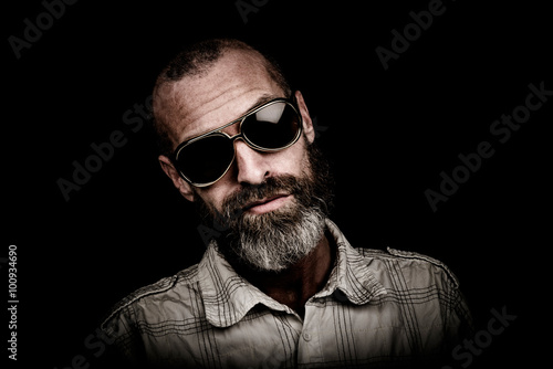 Portrait of a man with beard and sunglasses Canvas-taulu
