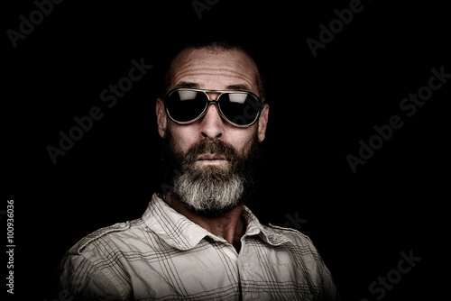 Portrait of a man with beard and sunglasses Tablou Canvas