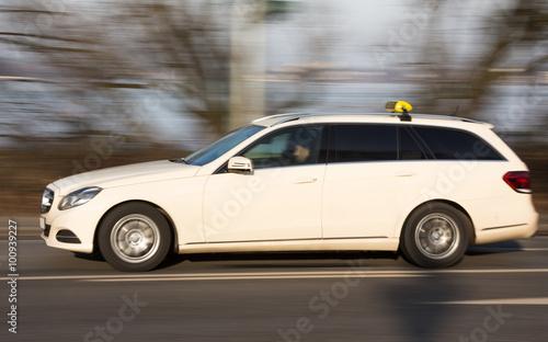 Photo  schnelles Kombi-Taxi