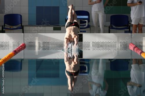 Obraz skok do wody - fototapety do salonu