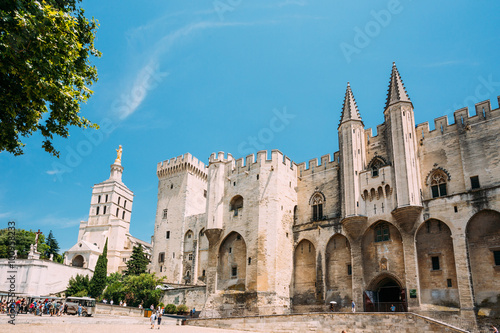 Photo Ancient Popes Palace, Saint-Benezet, Avignon, Provence, France