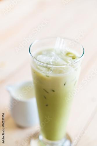 In de dag Milkshake iced matcha latte