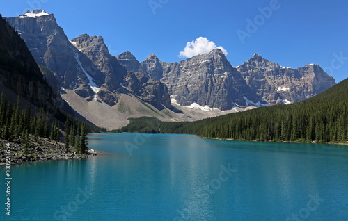 Poster Bleu Spectacular Lake Moraine, located in Banff National Park, Alberta, Canada..