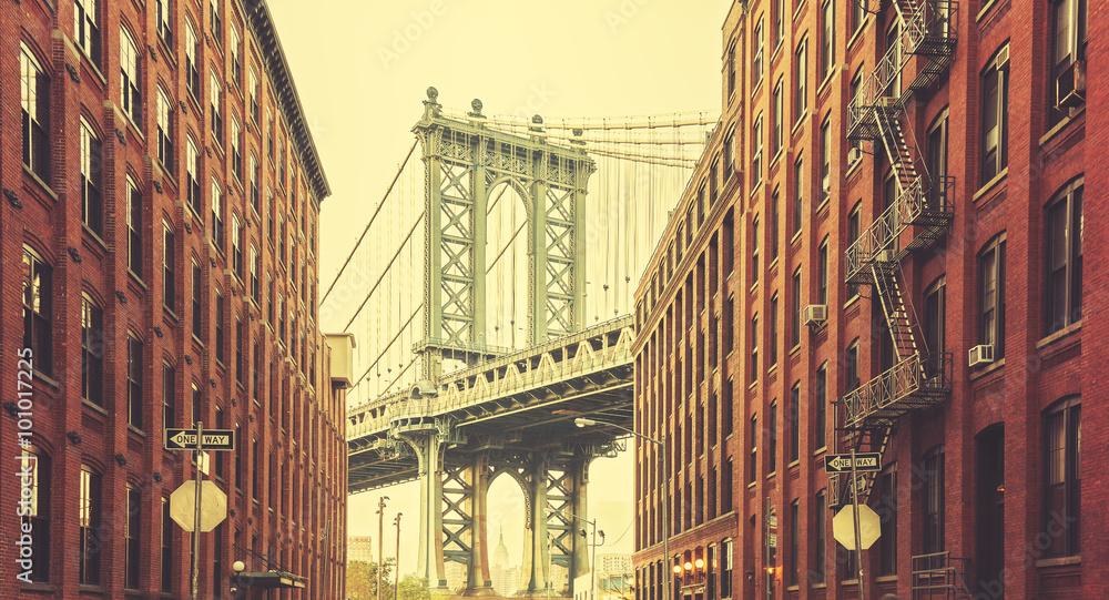 Fototapety, obrazy: Retro stylized Manhattan Bridge seen from Dumbo, New York.